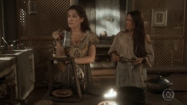 Germana faz ameaças a Elvira - Elvira diz que Licurgo bebeu o café da simpatia ensinada pela dona da taberna