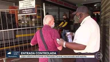 Lojas voltam a funcionar no Mercado Central de BH - Alguns estabelecimentos que estavam fechados por causa da pandemia do novo coronavírus abriram as portas, mas com restrições.
