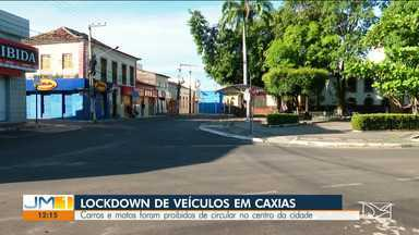 Carros e motos são proibidos de circular pelo centro de Caixas por conta da Covid-19 - Três pessoas já morreram na cidade por conta da doença.