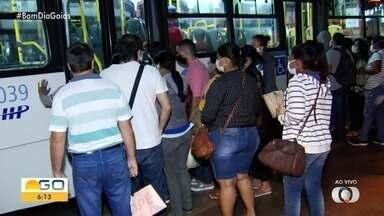 Novo decreto de escalonamento deve influenciar em movimento nos terminais de ônibus - Expectativa é que número de pessoas aglomeradas diminua.