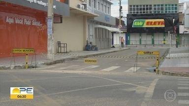 Ruas de Serra Talhada são fechadas para conter avanço do novo coronavírus - Prefeito do município explica medidas para tentar conter avanço do número de casos.