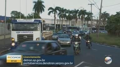 Polícia Militar começa a fiscalizar licenciamento de veículos em Ribeirão Preto, SP - Imposto pode ser pago pela internet.