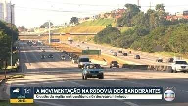 A movimentação nas rodovias que dão acesso à capital - Conferimos como estava o trânsito no Sistema Anchieta-Imigrantes e na rodovia dos Bandeirantes.