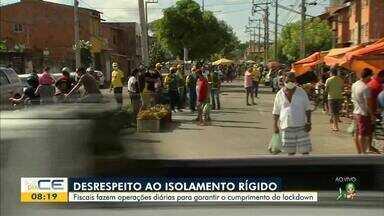 Fiscais flagram feira sendo montada durante lockdown - Saiba mais em g1.com.br/ce