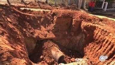 Moradores reclamam de 'buracões' em bairros de Rio Preto e Jales - Moradores do bairro São Marcos em Rio Preto (SP) estão reclamando dos buracões em avenidas que atrapalham o trânsito e circulação de veículos.