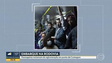 Bom Dia Minas mostra ônibus cheio e ponto movimentado - Aglomeração é risco em tempos de pandemia.