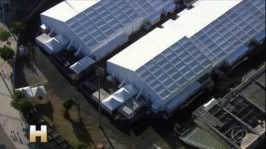 Funcionários denunciam falta de remédios no único hospital de campanha estadual do Rio - Justiça deu 20 dias para que todos os hospitais de campanha do Rio funcionem.