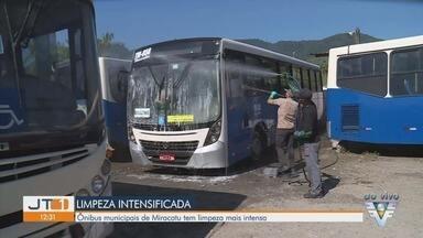 Ônibus municipais de Miracatu recebem limpeza mais intensa - Transporte da cidade do Vale do Ribeira tem higienização reforçada.