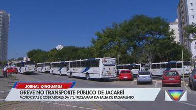 Motoristas e cobradores da JTU fazem greve por falta de pagamento - Confira reportagem do Jornal Vanguarda desta quinta-feira (21).
