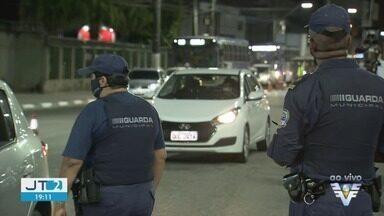 Santos permanece com bloqueio na entrada da cidade - Ação tem como objetivo evitar entrada de turistas na região durante 'megaferiado' na Capital.