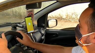 Pandemia do novo coronavírus impacta motoristas de aplicativos - Os motoristas de aplicativos da região sentiram a queda no movimento.
