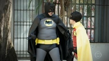 Batman e Robin I - Esse batmóvel tá diferente...