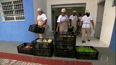 Parlamentares tentam reverter veto de auxílio emergencial a agricultores familiares - Presidente Jair Bolsonaro não permitiu acesso a trabalhadores que estiverem fora do Cadastro Único.