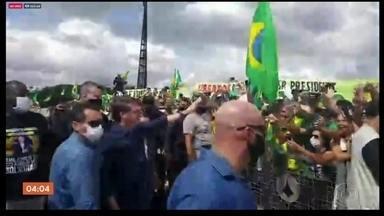 Brasília vive mais um domingo de manifestações de apoio a Jair Bolsonaro - A aglomeração se concentrou na Esplanada dos Ministérios e em frente ao Palácio do Planalto.