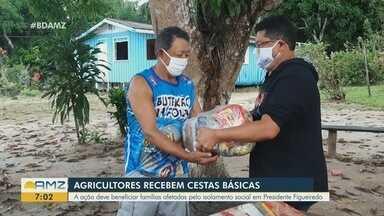 Em Presidente Figueiredo, no AM, agricultores recebem cestas básicas - Ação beneficia famílias afetadas pelo isolamento social.