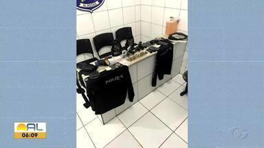 Dois homens são presos em flagrante por crime de extorsão - Eles sequestram um empresário que foi encontrado graças ao aparelho celular.