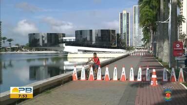 Sinalização de interdição é colocada no Açude Velho, em Campina Grande - Prefeito Romero Rodrigues já havia anunciado a medida no dia 16 de maio, mas a interdição não foi feita.