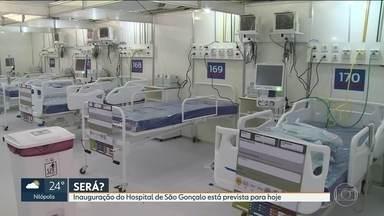 Horas antes da inauguração, hospital de campanha de São Gonçalo tem obras - A inauguração da unidade está prevista para esta quarta-feira (27)