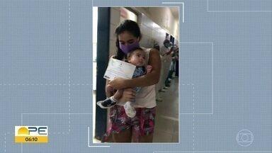 Bebê de 3 meses vence a Covid-19 e tem alta de hospital - Heitor ficou mais de um mês na UTI, mas finalmente pode ir para casa nos braços da mãe.