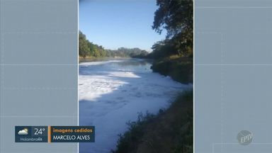 Pescadores denunciam lançamento de esgoto no rio Piracicaba - De acordo com um pescador, a ação foi feita pela estação que deveria tratar o esgoto.