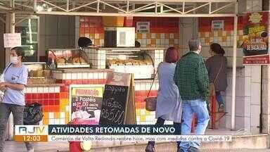 Comércio reabre nesta quinta-feira em Volta Redonda - Após sete dias de atividades suspensas por causa do aumento de casos suspeito de Covid-19, lojas voltam a funcionar com restrições.