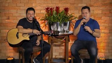 Marrone explica a diferença entre 'ser corno' e 'levar chifre' - Pedro Bial também brinca com a dupla sobre o alto teor etílico na primeira live deles