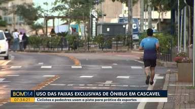 Ciclistas e pedestres usam a pista exclusiva de ônibus para prática de esportes - Os casos foram registrados em Cascavel.