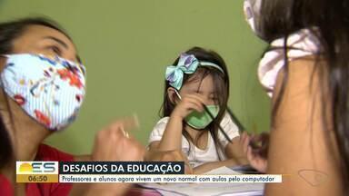 """Pandemia do Covid-19 apresenta novos desafios para professores e alunos - Aulas não-presenciais, pelo computador, tablet ou celular, se tornam um """"novo normal"""" nas atividades dos educadores"""