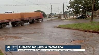 Fim de outono chuvoso deixa ruas de Campo Grande cheias de buraco - Sisep diz que operação tapa-buracos ficou temporariamente suspensa, mas já foram retomadas