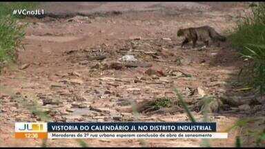 Moradores do Distrito Industrial esperam conclusão de obra de saneamento - Moradores do Distrito Industrial esperam conclusão de obra de saneamento