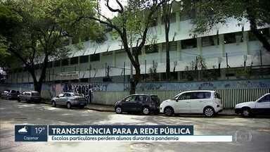 Cresce a transferência de alunos da rede privada para a rede pública de SP - Esse é um dos resultados da queda de renda dos pais durante a pandemia