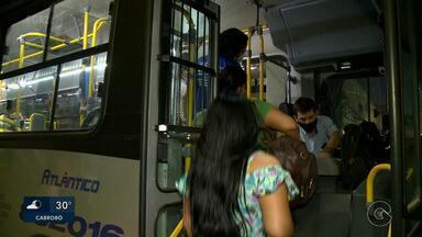 Ônibus de Petrolina estão circulando sem algumas recomendações de segurança sanitária - Decreto municipal publicado pelo prefeito de Petrolina, Miguel Coelho, ficou determinado que os ônibus podem voltar a circular com frota integral seguindo as recomendações.