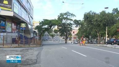 Reunião decide se ônibus vão voltar a funcionar em Campina Grande - Donos de ônibus alegam que não compensa circular os veículos com pouca gente.