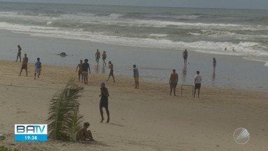Trechos de praias em Salvador registram menor quantidade de lixo na areia e melhora no ar - A queda nos índices de poluição nos locais foi provocado pelas medidas de isolamento social.