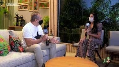 Niara Meireles entrevista Cláudio Silveira no estúdio do São João do Ceará - Cenografia do especial da TV Verdes Mares, DFB Festival e mais destaques na entrevista