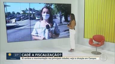 RJ1 confere a movimentação nas ruas de Campos, no RJ - Mesmo com decreto de isolamento no município, flagrantes de comércios funcionando com meia porta aberta são registrados.