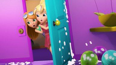 A Super Festa da Polly - Polly tenta impressionar seu ídolo de TV com uma invenção incrível: botões que transformam cada quarto da casa em uma festa super animada.