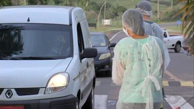 Borá monta barreira sanitária após confirmação do primeiro caso de Covid-19 - A prefeitura de Borá intensifica a partir desta terça-feira (9) as medidas de prevenção contra o coronavírus. A medida foi tomada depois que a cidade, a menor do estado de São Paulo, registrou o primeiro caso de Covid-19, na semana passada. Uma barreira sanitária foi montada na entrada do município.