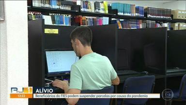 Beneficiários do FIES podem suspender parcelas por causa da pandemia - A medida contempla estudantes com contrato em fase de utilização, carência e amortização.