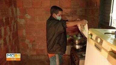 Famílias do povoado de Taquarial em Montes Claros, passam por dificuldades financeiras - Algumas famílias já estão sem nada na dispensa para comer.