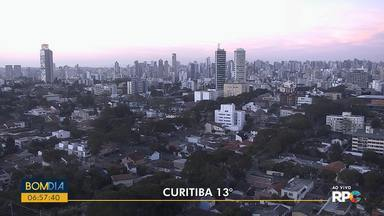 Sol aparece entre nuvens em todo o Paraná - Temperaturas sobem mais nesta quinta-feira (18).