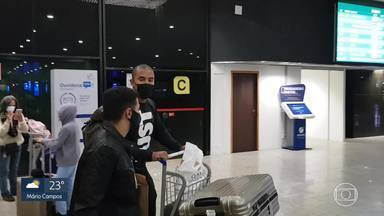 Bueno chega a BH para fechar com o Atlético-MG, que anuncia a contratação do atacante Keno - Bueno chega a BH para fechar com o Atlético-MG, que anuncia a contratação do atacante Keno