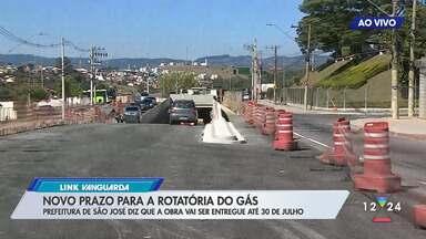 Entrega da rotatória do gás, na zona leste de São José, é adiada novamente - Obra visa desafogar o trânsito na zona leste