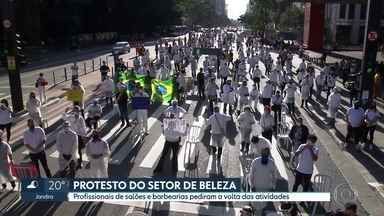 Profissionais do setor de beleza protestam na Av Paulista pedindo reabertura dos salões - Na fase do Plano São Paulo que está a capital, os salões e barbearias devem ficar fechados