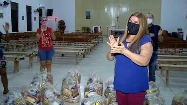 Moradora de Porangatu pede cestas básicas de aniversário para doar a famílias carentes - Cerca de cem famílias carentes já receberam as cestas.