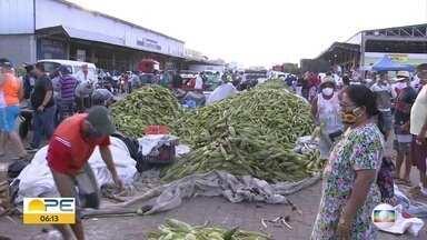 Na véspera do São João, Ceasa registra movimento intenso - Apesar da pandemia, venda do milho se manteve e não foi prejudicado.