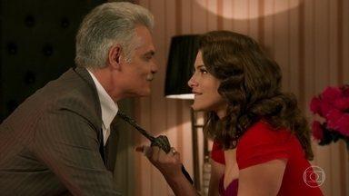 Diana convence Severo a lhe dar mais dinheiro - A dançarina consegue manipular o pai de Braz