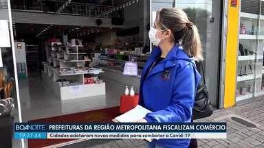 Fiscais de prefeituras da Região Metropolitana de Curitiba fiscalizam o comércio - Municípios criaram regras para ajudar no combate ao coronavírus.