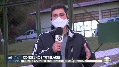 Reflexo da pandemia nos conselhos tutelares - Funcionários dizem que faltam equipamentos de proteção, testes de coronavírus e estrutura para trabalhar.