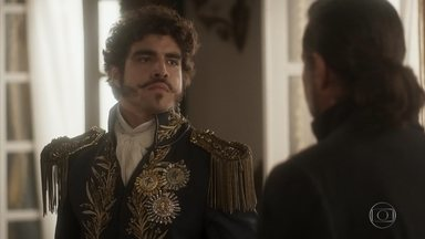 Pedro encomenda pingente de casamento para Domitila - Ele mostra a joia a Francisco. Bonifácio fica chocado e questiona de onde Dom Pedro tirou dinheiro para mandar fazer a réplica do pingente da princesa